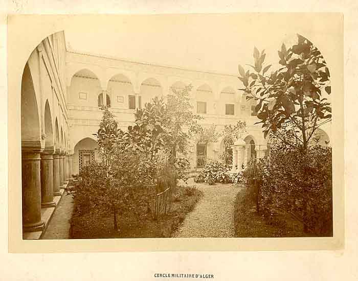 1880_cercle.jpg