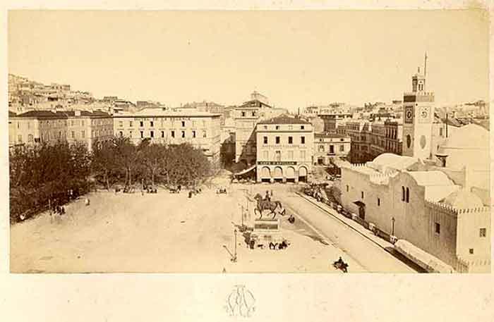 1880_duc.jpg
