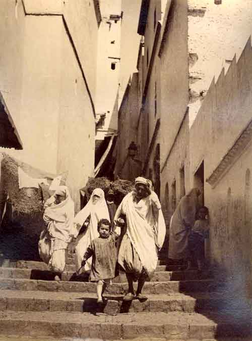 1880_escalier.jpg