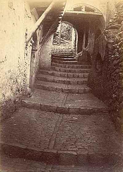 1880_porche.jpg